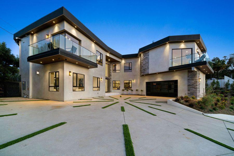 L'ancienne maison des Kardashian est en vente à un peu plus de 5 millions d'euros.