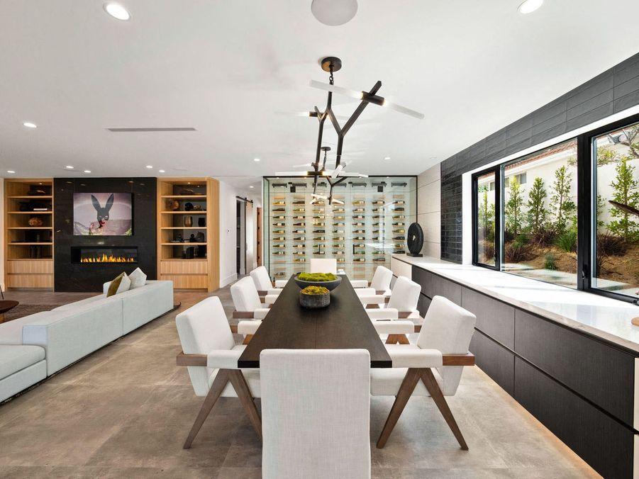 La salle à manger de la villa.