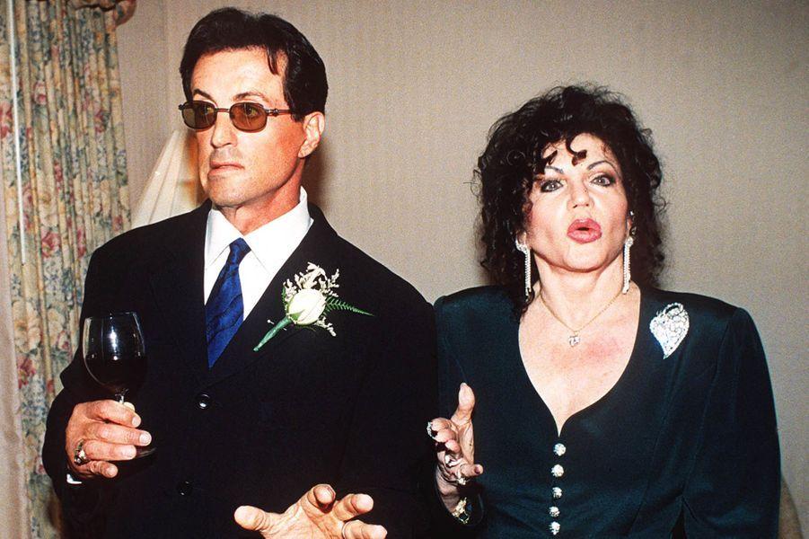 Sylvester etJackie Stallone lors d'une soirée à Los Angeles en 1999