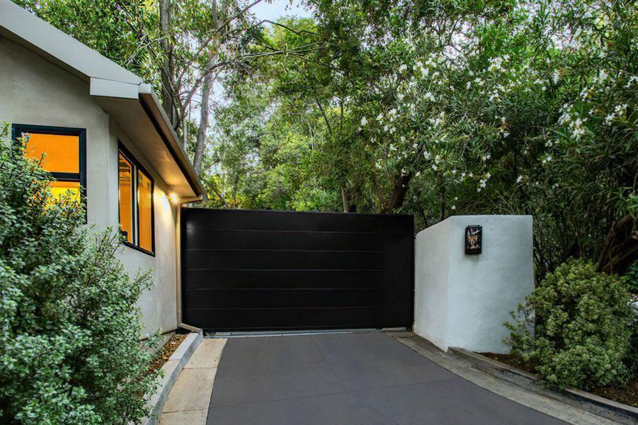 Cameron Diaz et Benji Madden ont acheté cette maison à Beverly Hills pour 14,7 millions de dollars