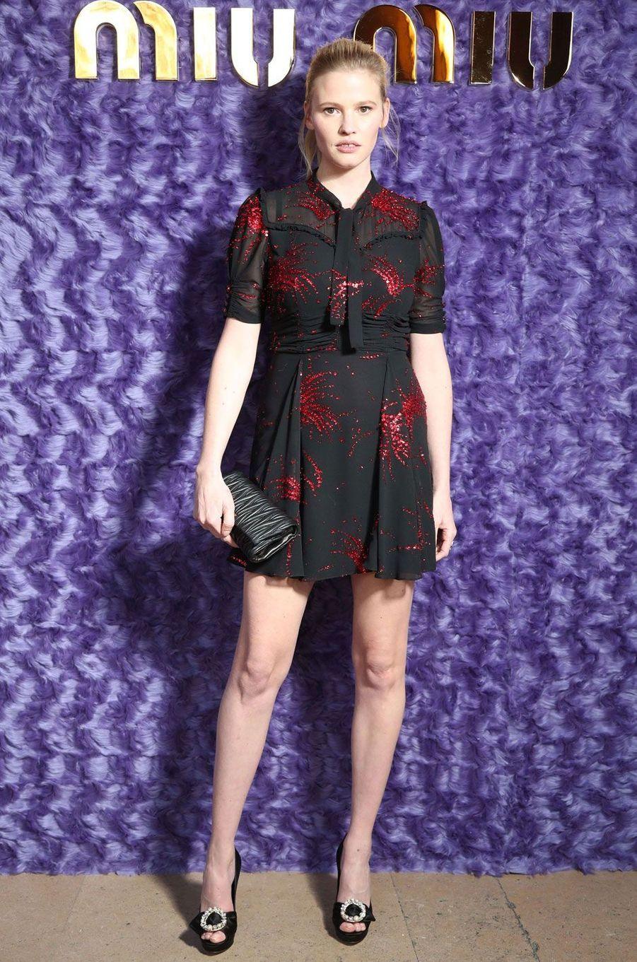 Le mannequin Lara Stone.