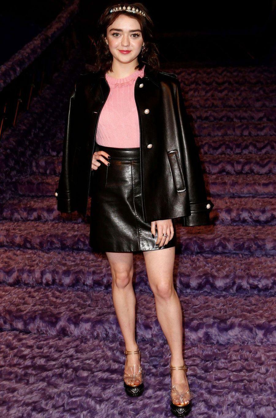L'actrice Maisie Williams au défilé Miu Miu.