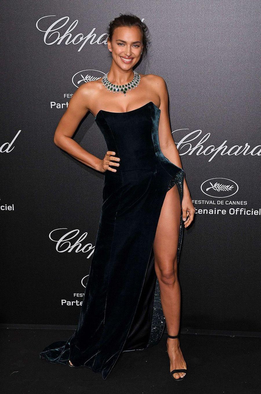 Irina Shayk à la soirée Chopard à Cannes, le 11 mai 2018.