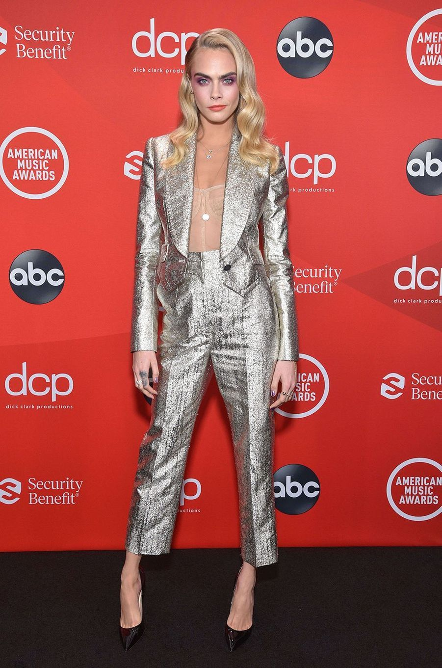 Cara Delevingneaux American Music Awards à Los Angeles le 22 novembre 2020