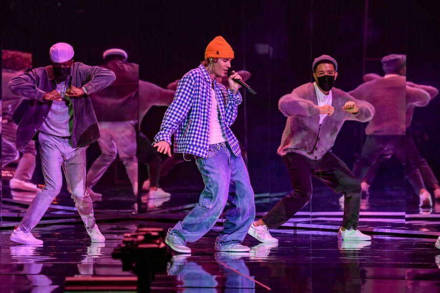 Justin Bieberaux American Music Awards à Los Angeles le 22 novembre 2020