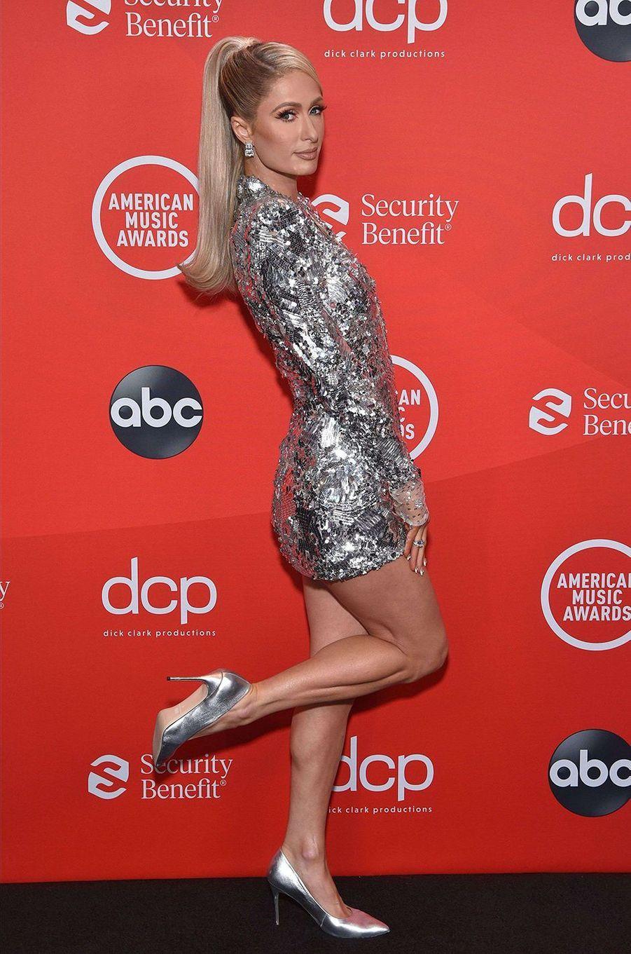 Paris Hiltonaux American Music Awards à Los Angeles le 22 novembre 2020