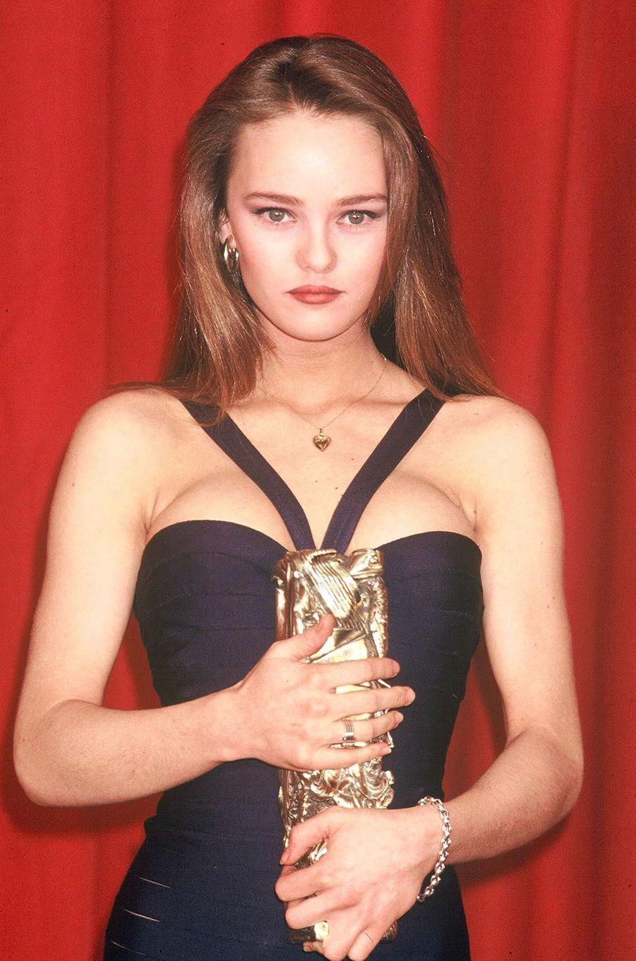 Vanessa Paradis et son César du meilleur espoir féminin en 1990