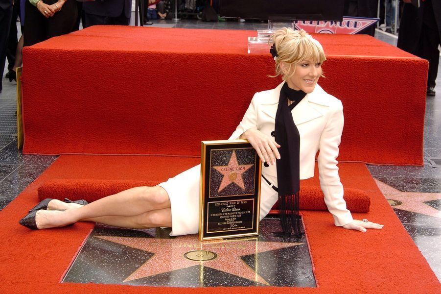 Céline Dion fait son entrée sur le Walk of Fame en 2004.