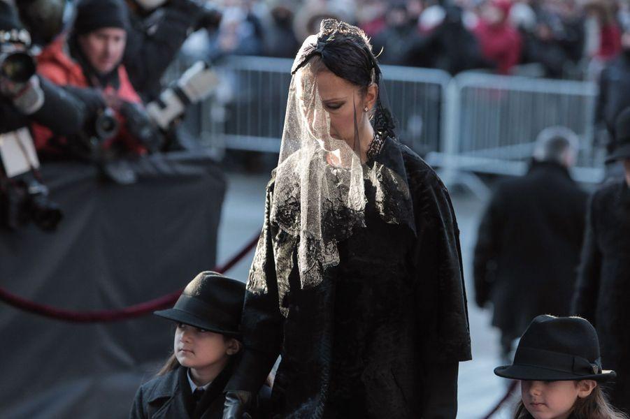 Céline Dion terrassée par la douleur, le jour de l'enterrement de René Angélil, le 22 janvier 2016.
