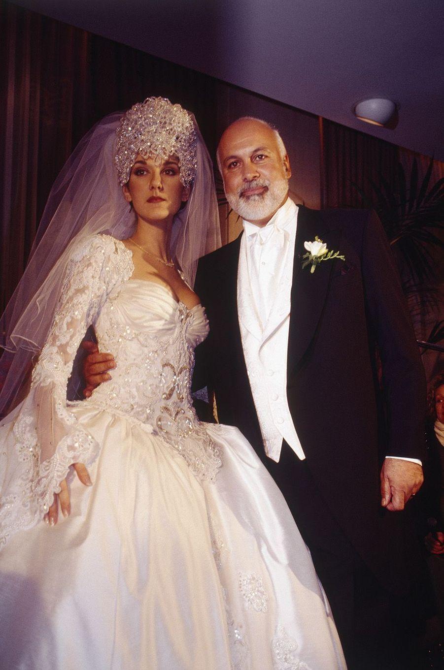 Céline Dion et René Angélil lors de leur mariage en décembre 1994.
