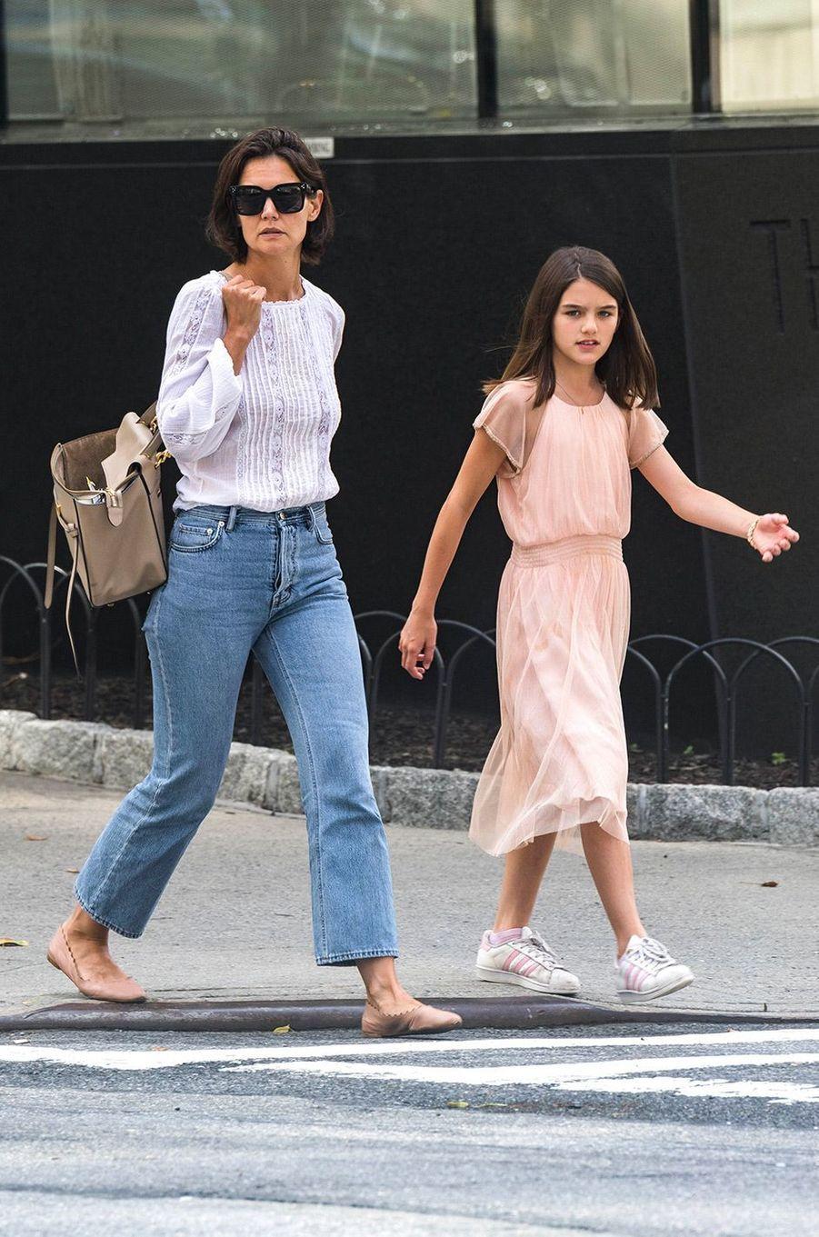 Katie Holmes et sa fille Suri dans les rues de New York, le 1er août 2018