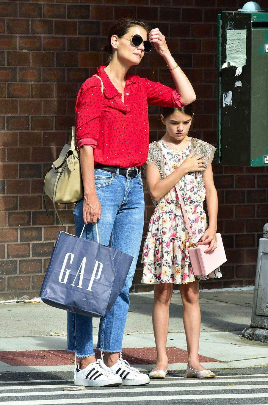 Katie Holmes et sa fille Suri dans les rues de New York, le 31 juillet 2018