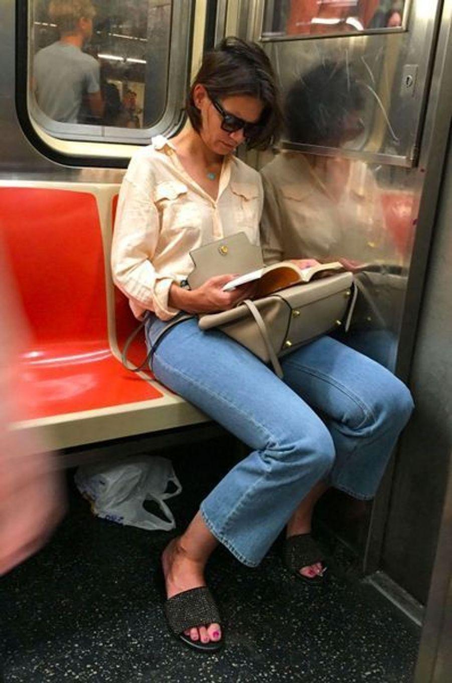 Katie Holmes dans le métro new-yorkais, le 26 juillet 2018