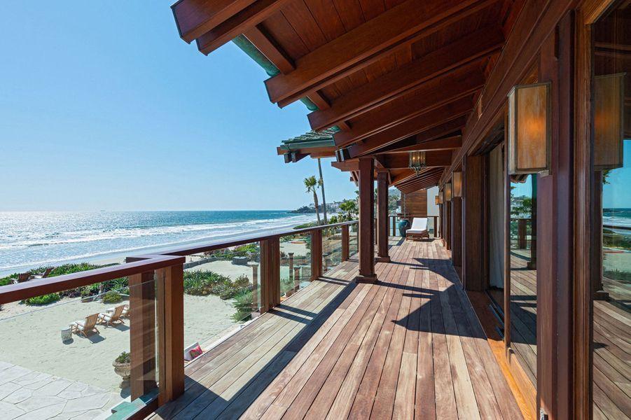 La villa de Pierce Brosnan à Malibu est en vente pour 100 millions de dollars (septembre 2020)