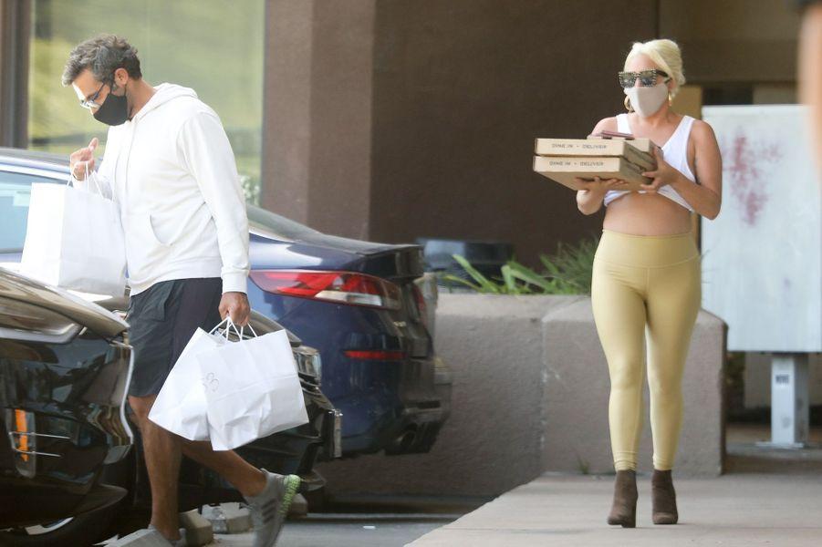 Lady Gaga et son petit ami Michael Polanskyà Los Angeles le 14 juin 2020