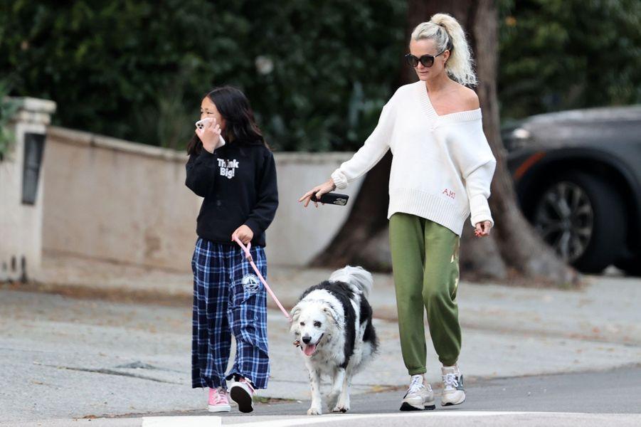 Laeticia Hallyday et sa fille Joy à Los Angeles le 1er avril 2020