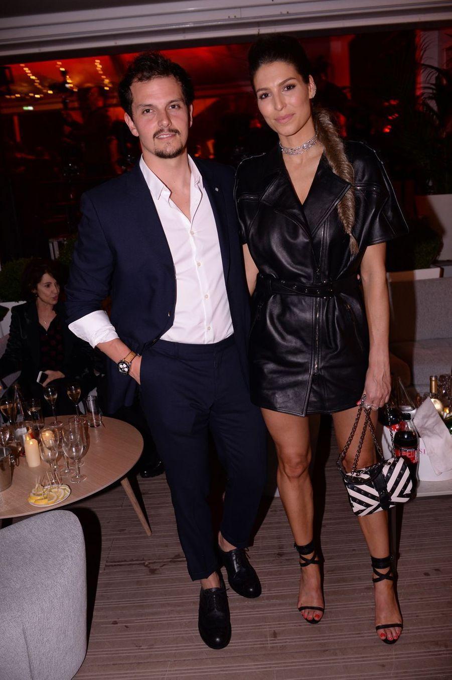 Laury Thilleman et son compagnon Juan Arbelaezlors de la soirée Orange à Cannes, le 18 mai 2019