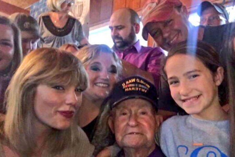 Taylor Swift a rendu visite à Cyrus Porter et sa famille pour Noël