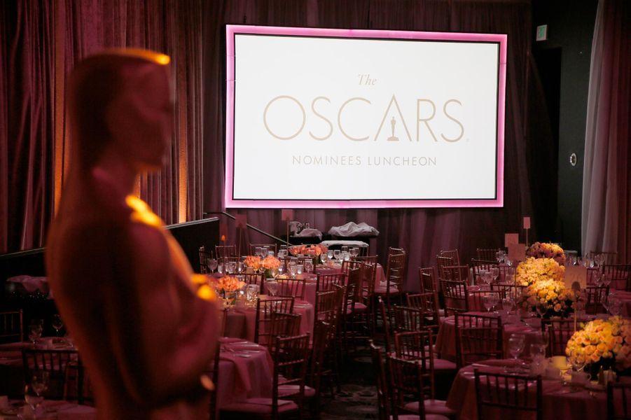 La salle du 89ème déjeuner pour les nominés aux Oscars.