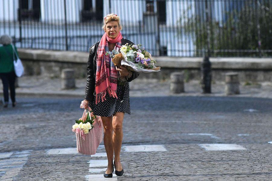 Ce jeudi se déroulaient à l'église Saint-Pierre de Montmartre, dans le 18e arrondissement de Paris,les obsèques de Hermine de Clermont-Tonnerre. En photo, Frigide Barjot.
