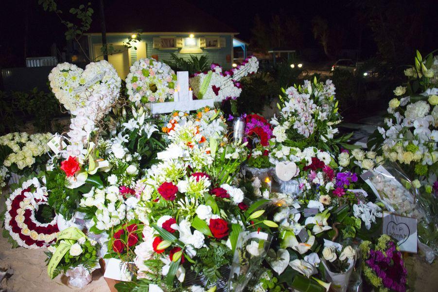 Le dernier adieu à Johnny Hallyday, à Saint-Barthélémy, le 11 décembre 2017.