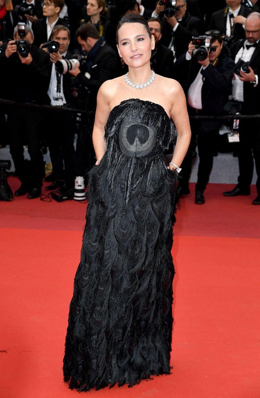 Virginie Ledoyen lors de la montéedes marches du film «Douleur et Gloire» lors du 72ème Festival de Cannes le 17 mai 2019