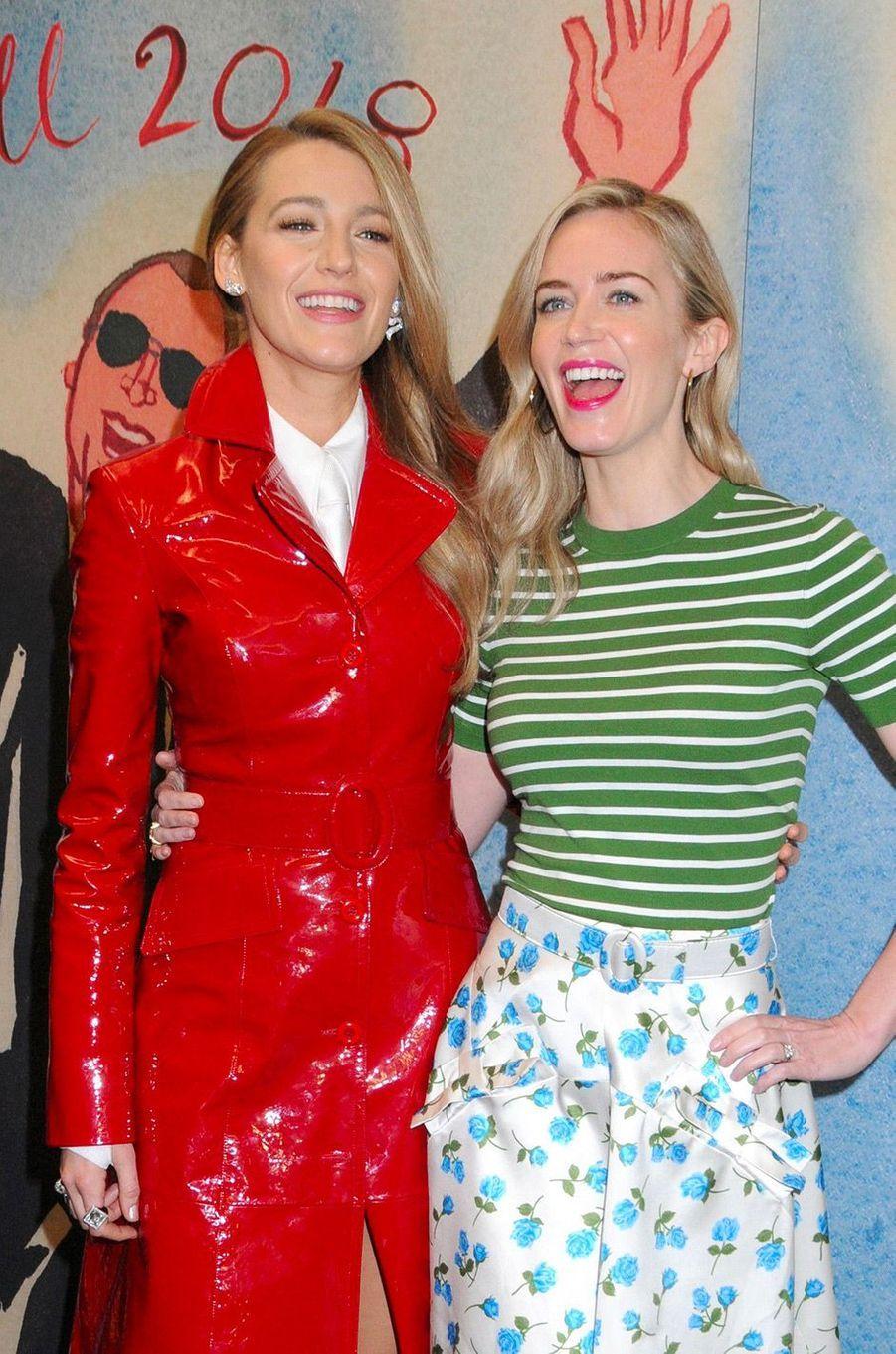 Blake Lively avec Emily Blunt avant le défilé Michael Korsà New York