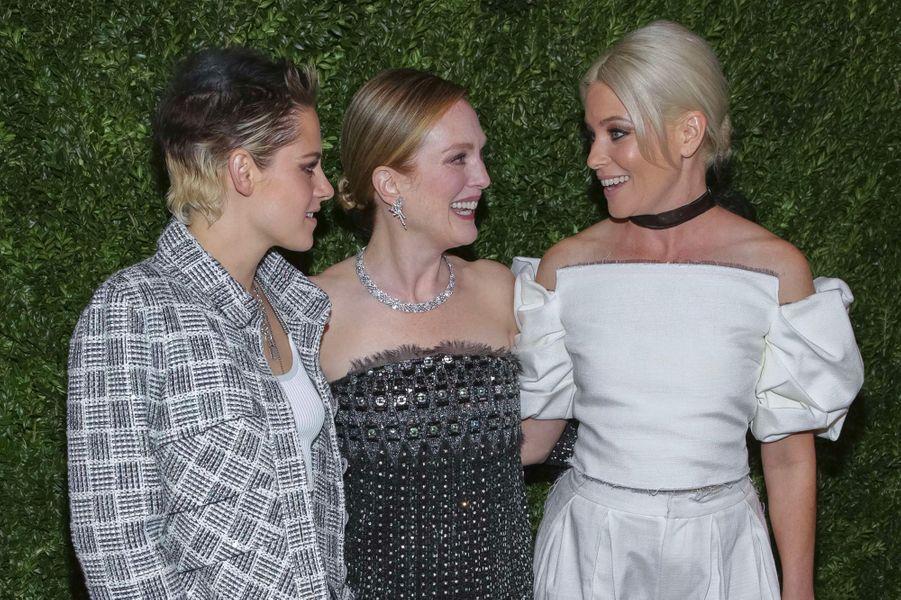 Julianne Moore, Elizabeth Banks et Kristen Stewart au MoMA