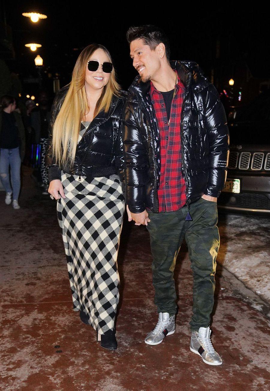 Mariah Carey et son petit ami Bryan Tanakafont du shopping à Aspen le 22 décembre 2019