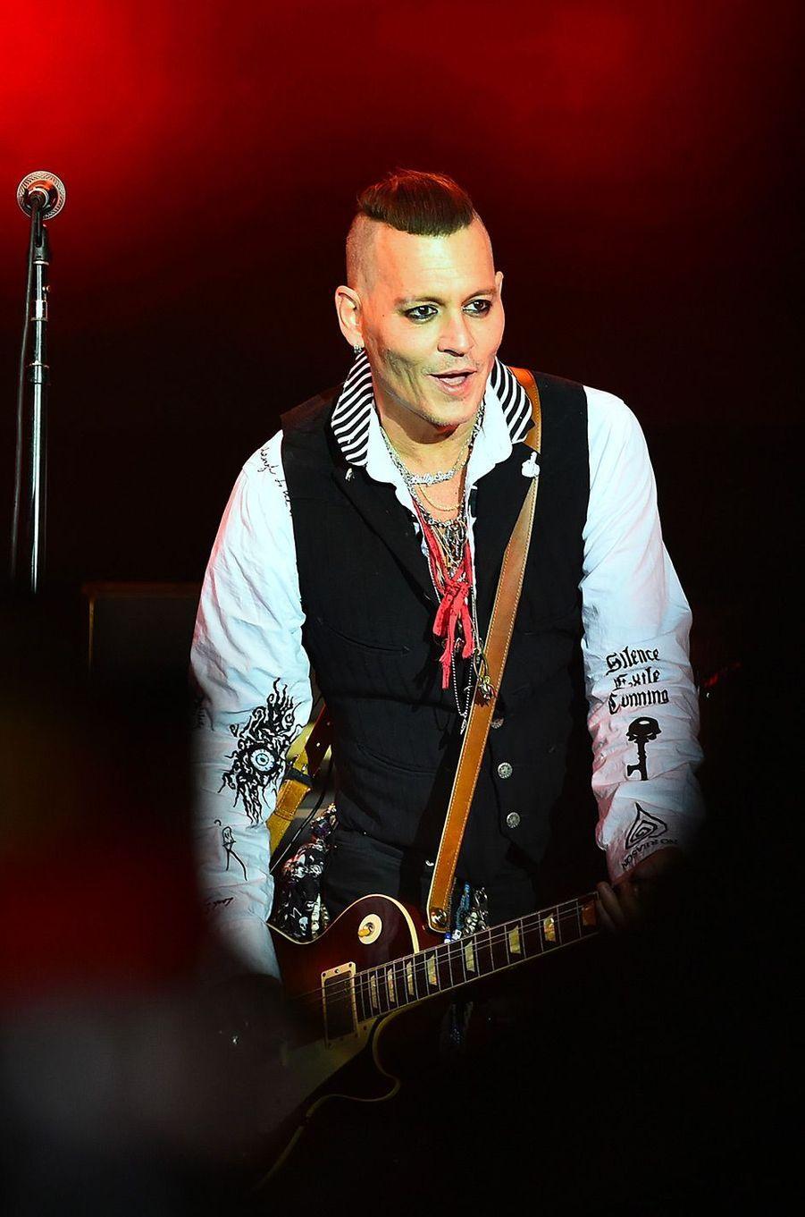 "Johnny Depp en concert avec les ""Hollywood Vampires"" lundi 28 mai"