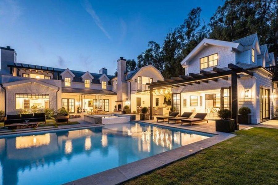 La nouvelle maison de Dakota Johnson et Chris Martin à Malibu, achetée fin 2020 pour 12,5 millions de dollars
