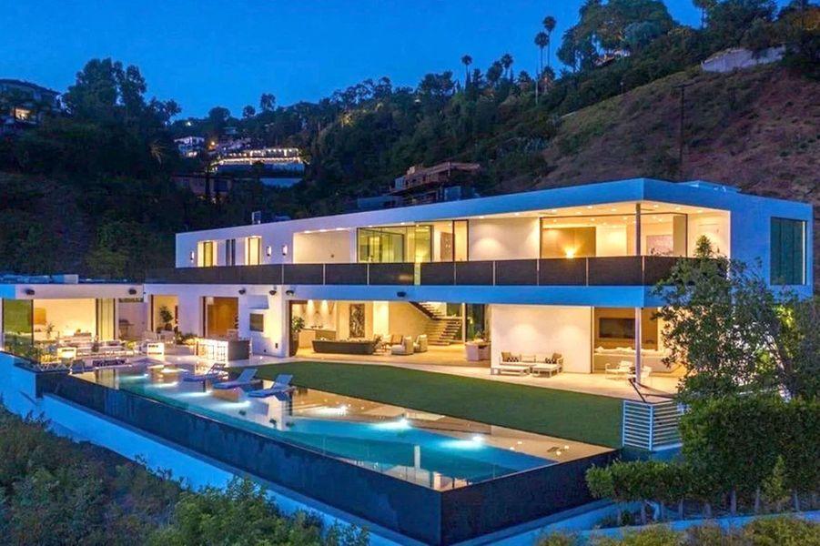 La nouvelle propriété de Chrissy Teigen et John Legend à Beverly Hills, achetée pour 17,5 millions de dollars en septembre 2020