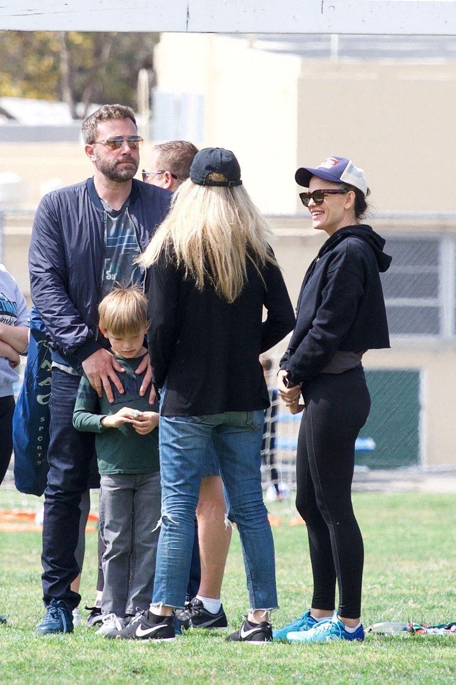 Ben Affleck et Jennifer Garner assistent au match de foot de leur fille Seraphina à Los Angeles le 11 mai 2019