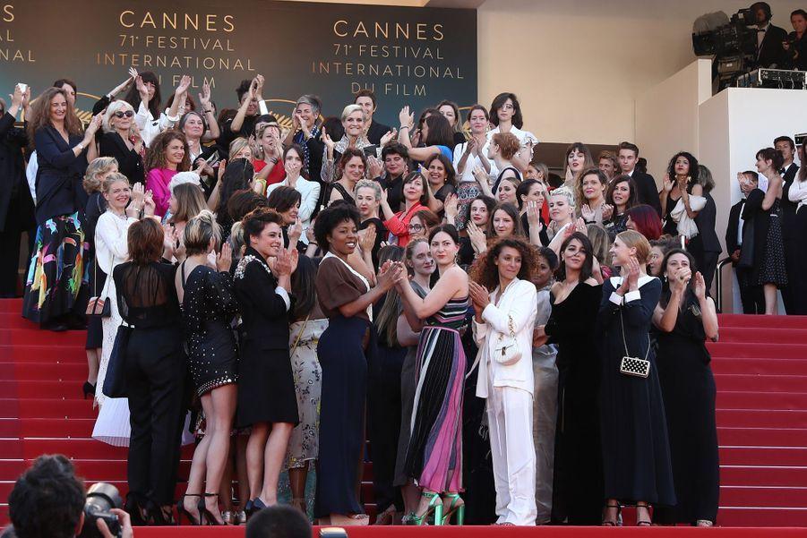 Leïla Bekhti en 2018, 82 femmes appellent à la parité et à l'égalité salariale sur les marches du Festival de Cannes.