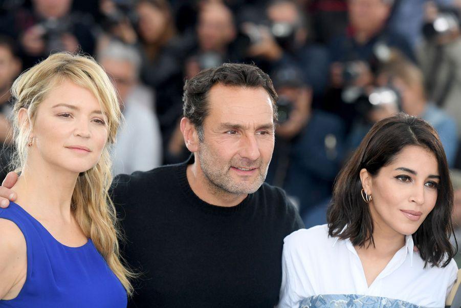 Leïla Bekhti aux côtés de Virginie Efira et Gilles Lellouche à Cannes en mai 2018.