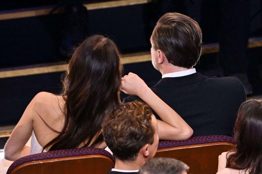 Camila Morrone et Leonardo DiCapriolors des Oscars à Los Angeles le 9 février 2020