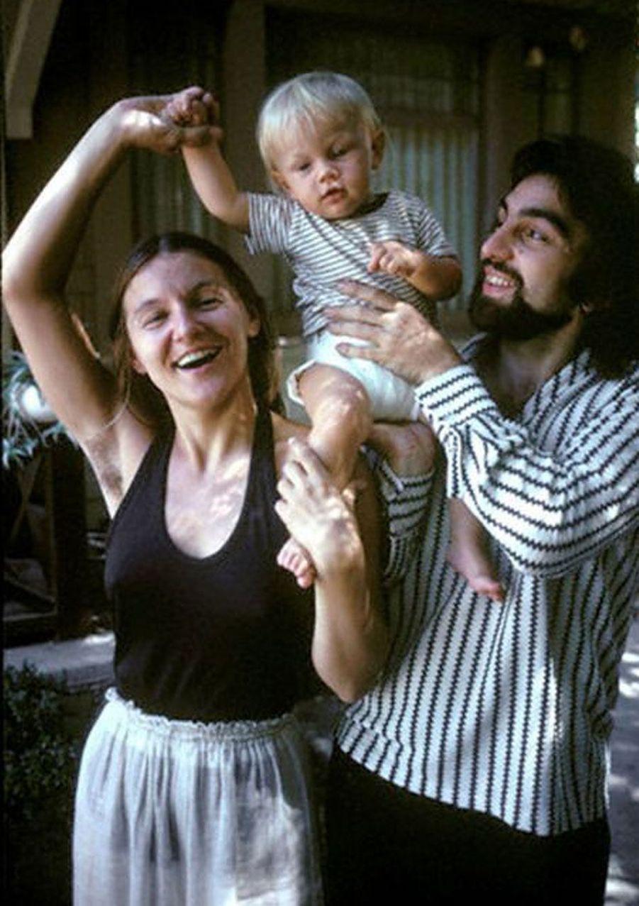 Leonardo DiCaprio bébé avec ses parents.