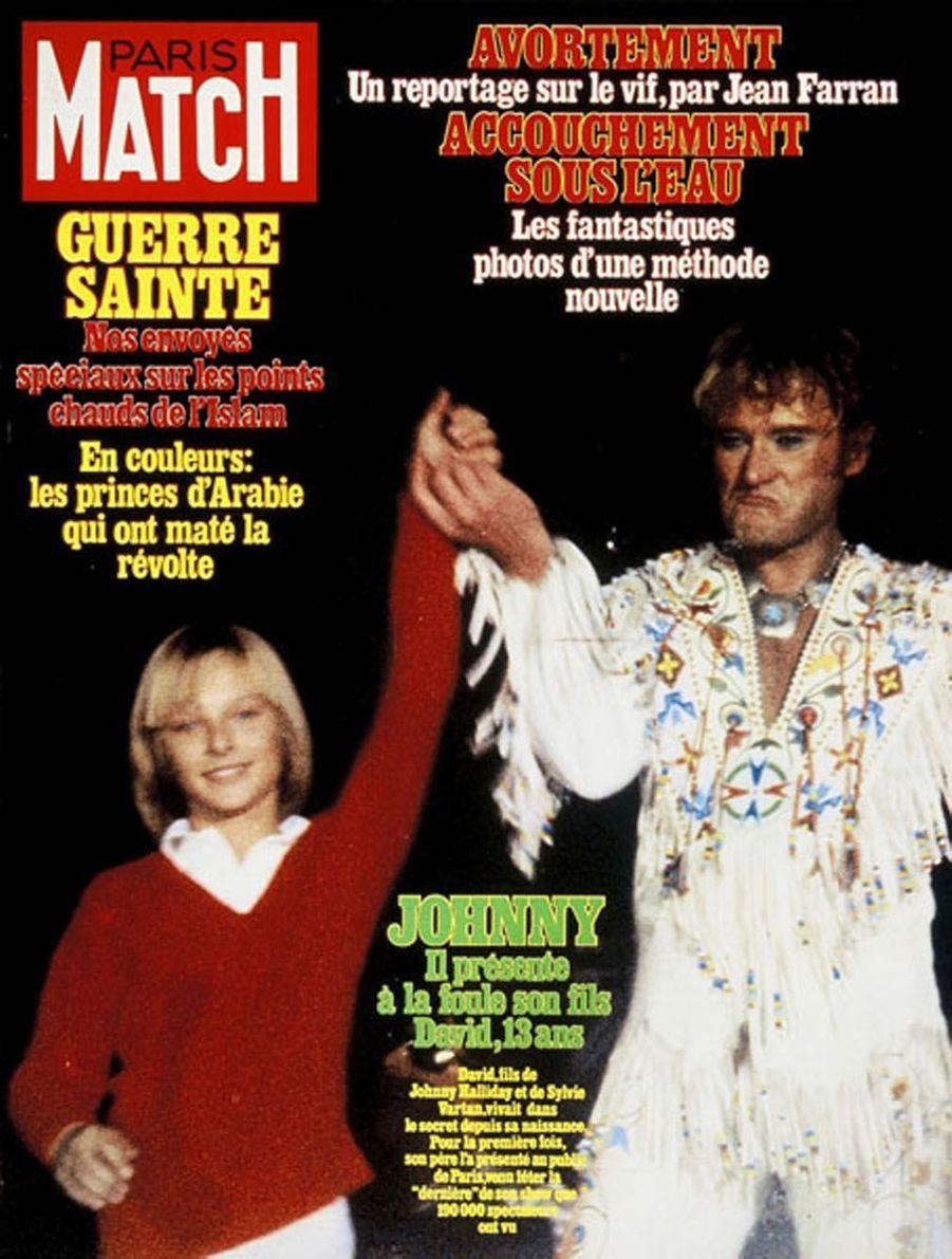 Johnny Hallyday et son fils David en couverture de Paris Match