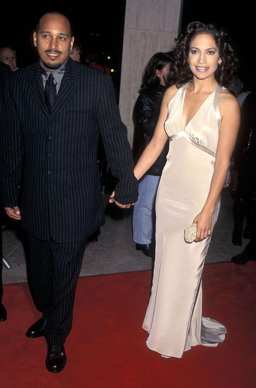 David Cruz et Jennifer Lopez à la première du film «Money Train» à Century City en novembre 1995.Le couple s'est fréquenté pendant plusieurs années entre les années 1980 et 1990.