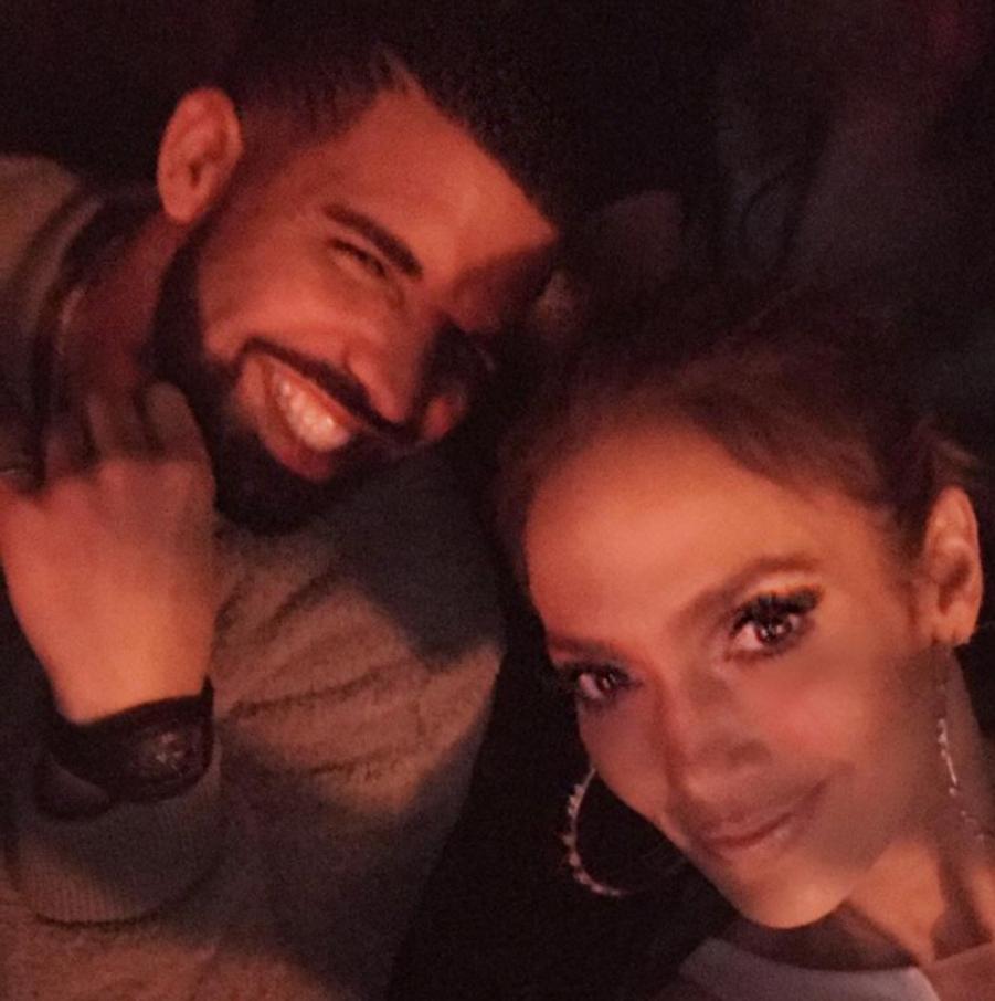 Drake et Jennifer Lopez sur une photo publiée en décembre 2016 sur le compte Instagram de la chanteuse.Les chanteurs se sont brièvement fréquentés entre cette période et début 2017.