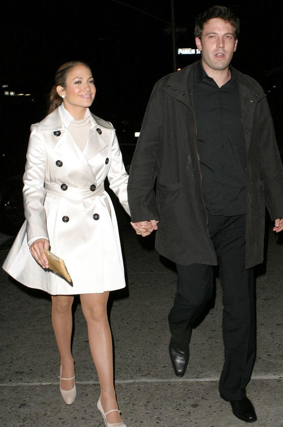 Jennifer Lopez et Ben Affleck à New York en octobre 2003.Les deux acteurs ont vécu une idylle très médiatisée entre 2002 et 2004.