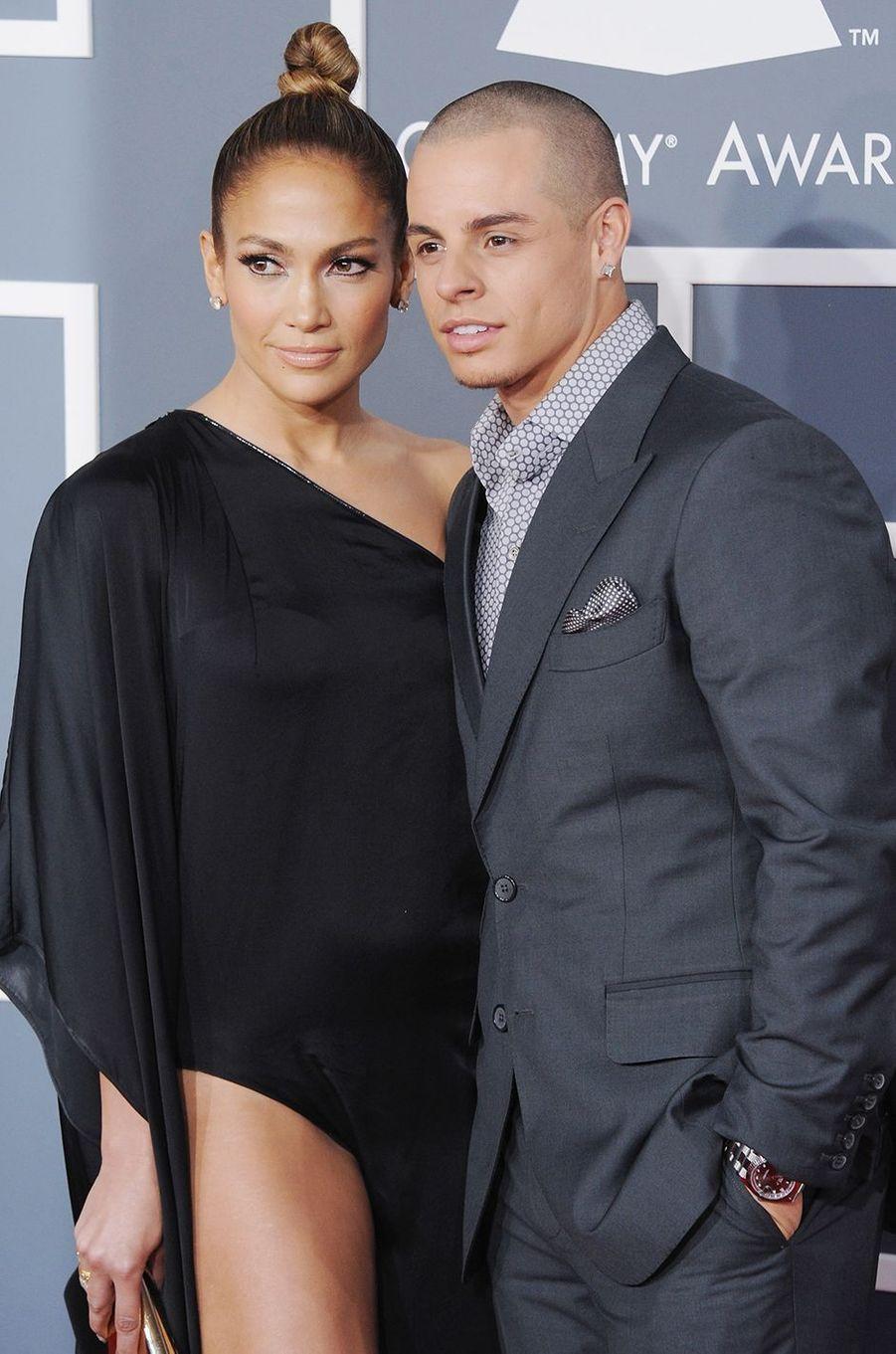 Jennifer Lopez et Casper Smart aux Grammy Awards à Los Angeles en février 2013.Le duo s'est fréquenté entre 2011 et 2016.