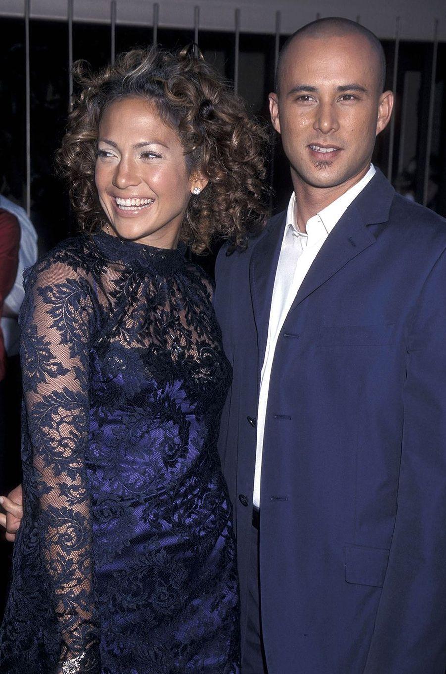 Jennifer Lopez et Cris Judd à la première du film «Angel Eyes» à Hollywood en mai 2001. Le couple a été marié entre 2001 et 2002.