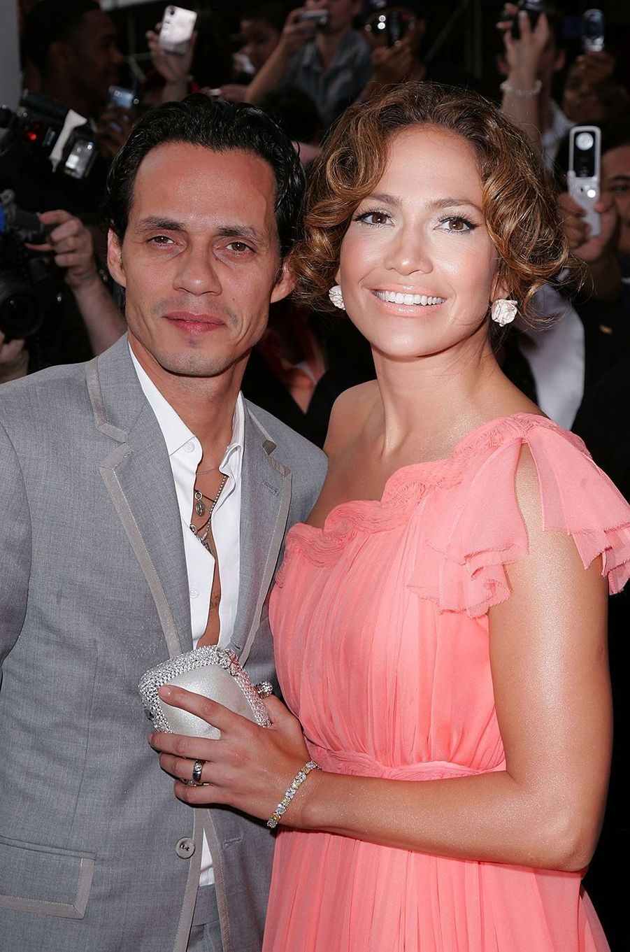 Marc Anthony et Jennifer Lopez à la première du film «El Cantante» à New York en juillet 2007.Le couple a commencé à se fréquenter en 2004, s'est marié la même année, et a rompu en 2011. Le divorce a été officialisé en 2014.