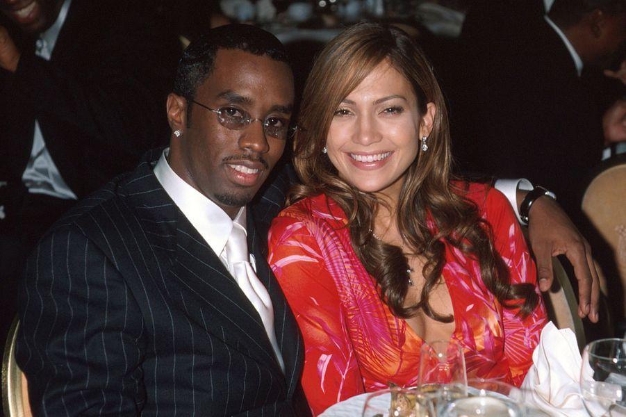 Sean Combs et Jennifer Lopez à une soirée organisée en marge des Grammy Awards à Los Angeles en février 2000.Le duo de stars s'est fréquenté plusieurs mois entre 1999 et 2000.