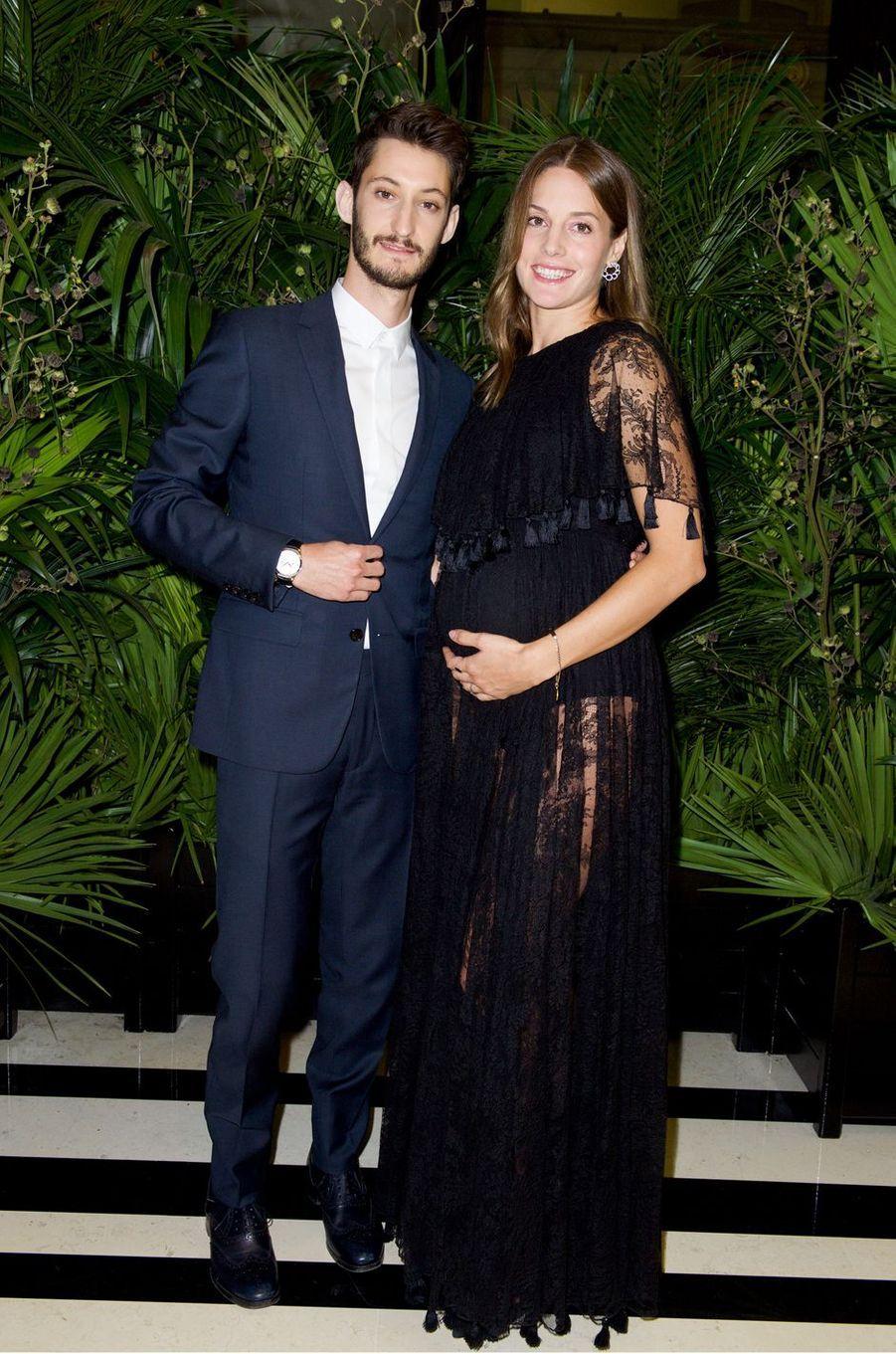 Pierre Niney et Natasha Andrews ont accueilli leur premier enfant en décembre 2017.