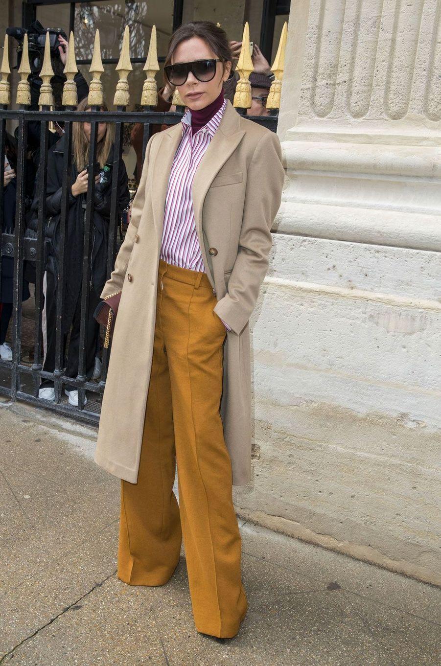 Victoria Beckham à l'entrée du défilé Louis Vuitton le 18 janvier à Paris