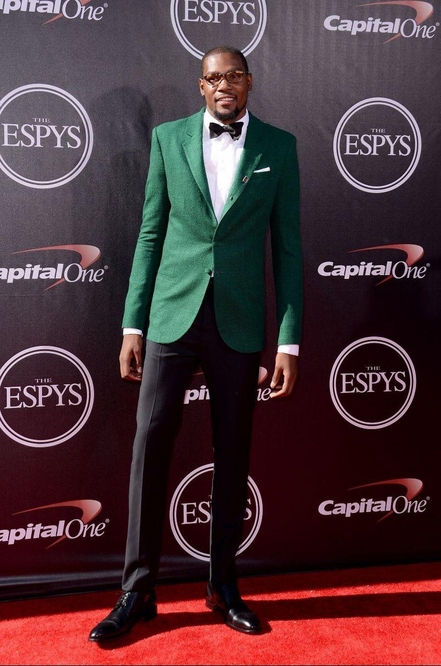 24 - Kevin Durant, 63,9 millions de dollars