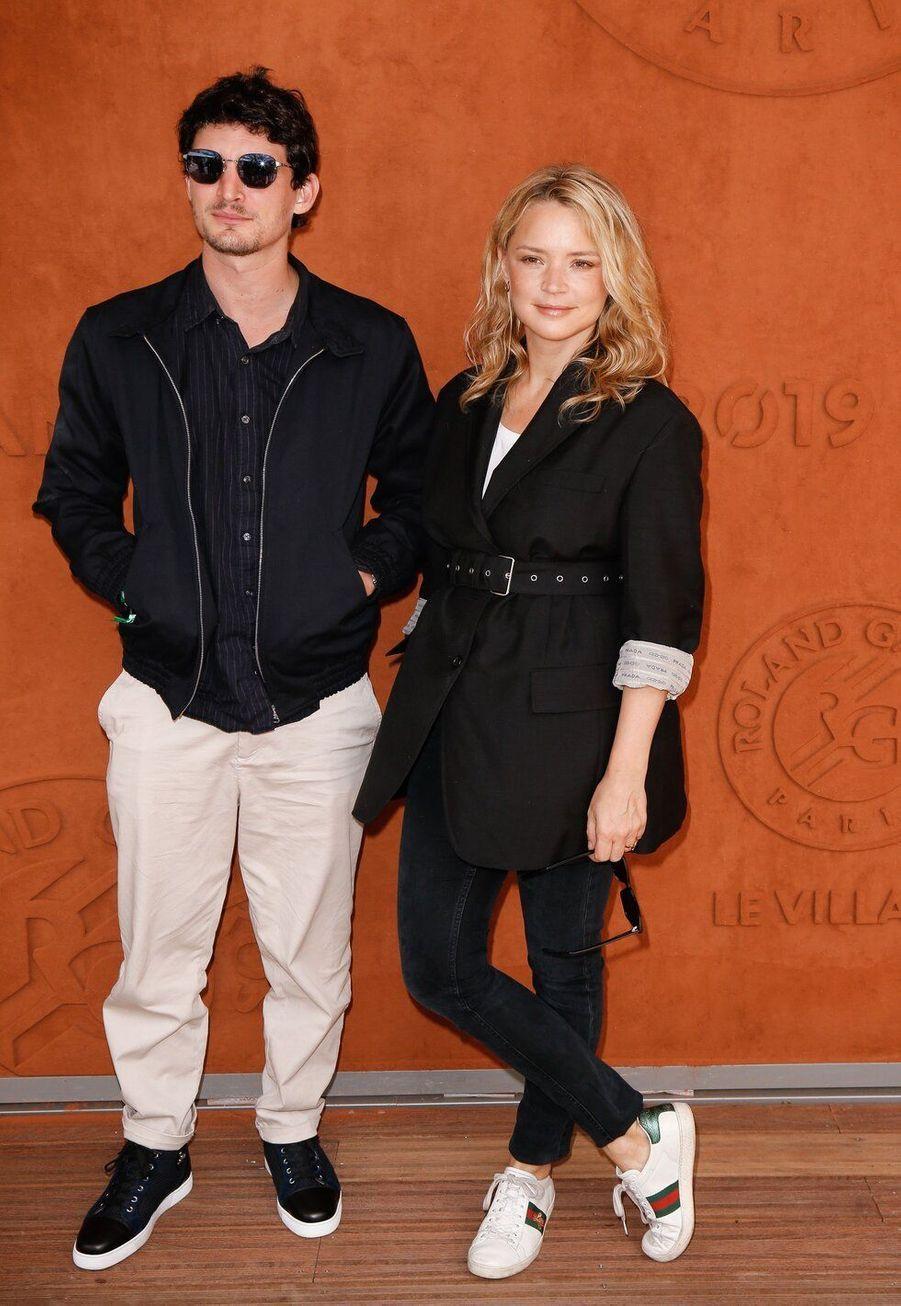 Virginie Efira et Niels Schneider, ensemble depuis 2017, ont 10 ans de différence d'âge.