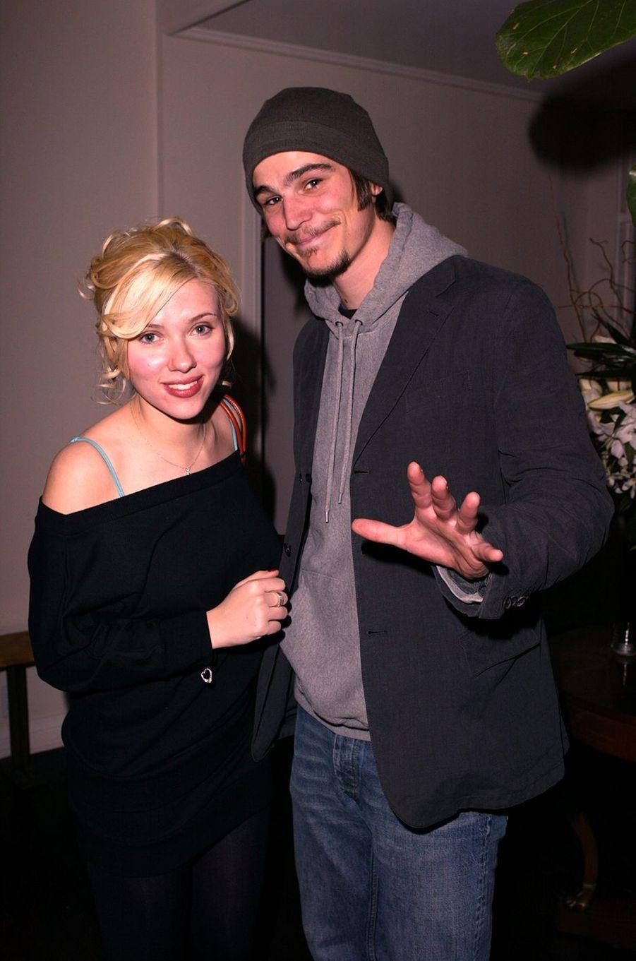 Scarlett Johansson et Josh Hartnett en 2004. Ils se sont fréquentés de 2004 à 2006.